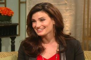 STAGE TUBE: Idina Menzel Admits Reluctance to Join Cast of GLEE