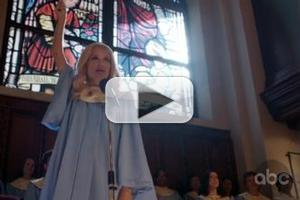STAGE TUBE: Kristin Chenoweth Sings 'Jesus Take the Wheel' on GCB!