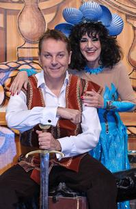 Brian-Conley-and-Lesley-Joseph-to-Star-in-ROBINSON-CRUSOE-AND-THE-CARIBBEAN-PIRATES-at-Birmingham-Hippodrome-20120618