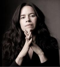 Natalie-Merchant-Performs-With-the-North-Carolina-Symphony-529-20010101