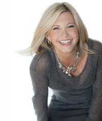 Olivia Newton-John Plays SHN Golden Gate Theatre, 9/13