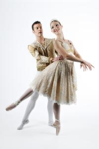 Dance-Theatre-of-Tennessees-COPPELIA-to-Pay-Tribute-to-Memory-of-Nashville-Theaters-Lee-Green-20120506