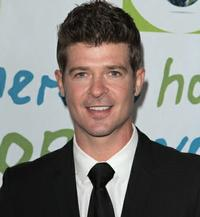 bergenPAC Announces Upcoming Events: Robin Thicke, Chris Botti and More