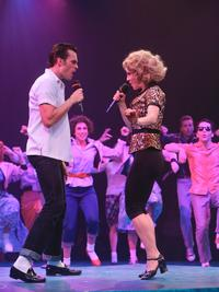 BWW-Reviews-Music-Circus-Opens-With-Charismatic-GREASE-20010101