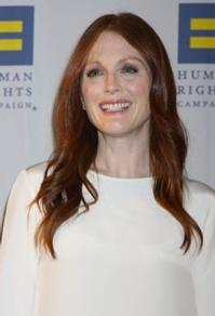 Julianne-Moore-to-Star-in-CARRIE-Remake-20010101