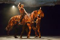 BWW Reviews: Artful WAR HORSE Lights the Ahmanson Stage
