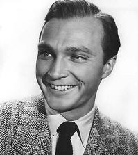 Actor-Warren-Stevens-Dies-at-92-20010101