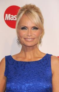 AN INTIMATE EVENING WITH CAROL BURNETT Postponed, Wishes Host Kristin Chenoweth Speedy Recovery
