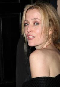 Gillian-Anderson-20010101