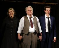 DEATH-OF-A-SALESMAN-Revival-Starrin-Philip-Seymour-Hoffman-Closes-Tonight-62-20010101