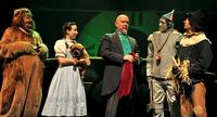Theater-Review-Beef-and-Boards-The-Wizard-of-Oz-20010101