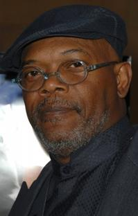 Samuel-Jackson-to-Host-20010101