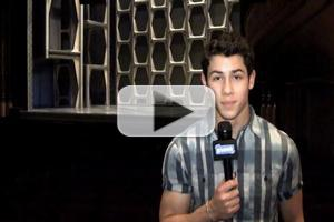 STAGE TUBE: Going Green for Earth Day With Nick Jonas, PETER AND THE STARCATCHER and More!