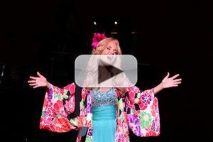 BWW TV Exclusive: Kristin Chenoweth WOWS in Concert at NY's City Center!