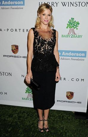 'Modern Family's Julie Bowen Headlines New Bridgestone Tire Ad Campaign