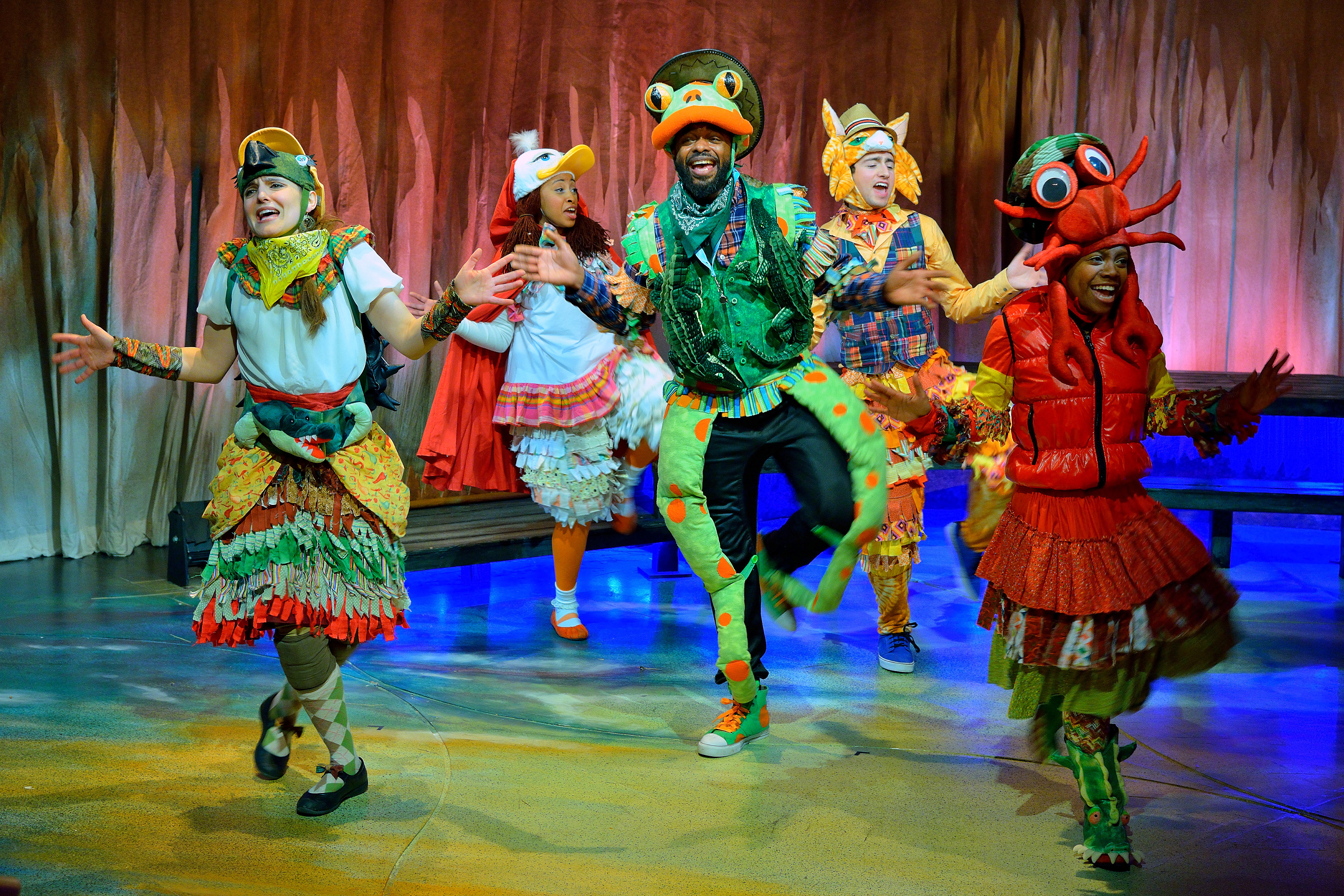 BWW Reviews: PETITE ROUGE: A CAJUN RED RIDING HOOD Delights at Adventure Theatre MTC