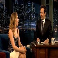 STAGE TUBE: Scarlett Johansson Talks CAT ON A HOT TIN ROOF on LATE NIGHT!
