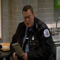 VIDEO: Sneak Peek - Tonight's MIKE & MOLLY on CBS
