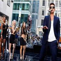 VIDEO: Robin Thicke Performs 'Blurred Lines' on TODAY