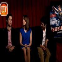 STAGE TUBE: Corey Cott, Kara Lindsay & Jess LeProtto Talk NEWSIES Movie Remake!