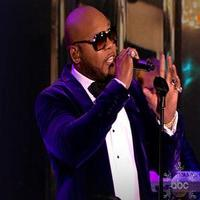 VIDEO: Flo Rida Performs New Single 'How I Feel' on THE VIEW