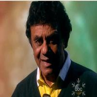 VIDEO: Johnny Mathis Performs 'Sending You A Little Christmas' on THE VIEW