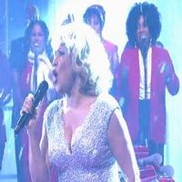 STAGE TUBE: Darlene Love Returns to 'LETTERMAN' for Annual Performance of 'Christmas (Baby Please Come Home)'