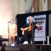 STAGE TUBE: Kerry Ellis and Brian May Perform 'Dust in the Wind' at Wildlife Rocks 2014