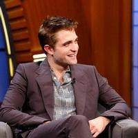 VIDEO: Robert Pattinson Reveals His Rap Alter Ego 'Big Tub' on SETH MEYERS