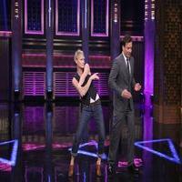 VIDEO: Robin Wright & Jimmy Fallon Play 'Turn & Face the Music' on TONIGHT