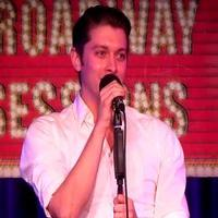STAGE TUBE: CABARET's Leeds Hill Performs 'Take Me Back to Manhattan' at BROADWAY SESSIONS