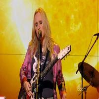 VIDEO: Melissa Etheridge Performs New Single 'Monster' on THE VIEW