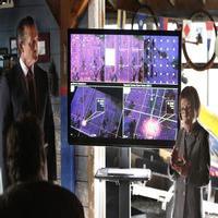 VIDEO: Sneak Peek - Linda Hunt Guest Stars on Next SCORPION on CBS