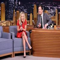 VIDEO: Reese Witherspoon Sings Classic Carols,Talks New Film 'Wild' on TONIGHT