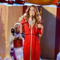 VIDEO: Mariah Carey Performs Live on NBC's Christmas Tre Lighting Following Missed Rehearsal