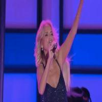 STAGE TUBE: Kristin Chenoweth Performs 'Maybe This Time' at the Logo TV New Now Next Awards