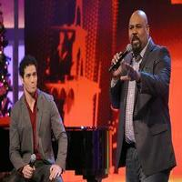 STAGE TUBE: Adam Jacobs and James Monroe Iglehart Perform ALADDIN Medley on THE VIEW!