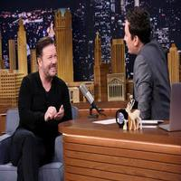 VIDEO: Ricky Gervais Lip Flips; Talks 'Night of the Museum' & More on TONIGHT