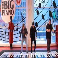 VIDEO: Nick Jonas Surprises Shoppers with 'Jealous' Performance on FAO Schwarz Piano