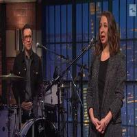 VIDEO: Fred Armisen & Maya Rudolph Share Tips to Stay Warm This Winter on LATE NIGHT