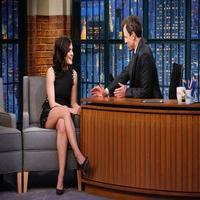 VIDEO: Lucy Hale Talks 'Pretty Little Liars' & More on LATE NIGHT