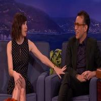 VIDEO: 'Portlandia's Fred Armisen & Carrie Brownstein Work Out Some Issues on CONAN