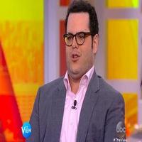 VIDEO: Josh Gad Talks FROZEN & 'The Wedding Ringer' on 'The View'