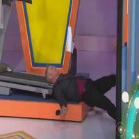 VIDEO: Watch PRICE IS RIGHT Announcer Wipe Out While Demonstrating Treadmill Prize!