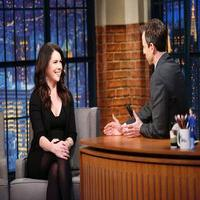 VIDEO: Lauren Graham Talks End of 'Parenthood' & More on LATE NIGHT