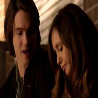 VIDEO: Sneak Peek - 'Stay' Episode of The CW's VAMPIRE DIARIES