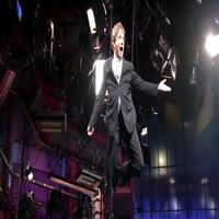 VIDEO: Martin Short Makes 'Fly Me Through the Room' Entrance on LETTERMAN!