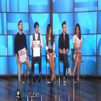 VIDEO: Cast of GLEE Play 'Cards Against Humanity' on ELLEN