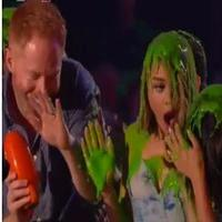 VIDEO: MODERN FAMILY's Jesse Tyler Ferguson, Sarah Hyland, and More Get Slimed at Nickelodeon's KIDS' CHOICE AWARDS
