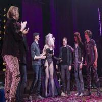 STAGE TUBE: Lena Hall Surprised Onstage By Her Former HEDWIGS!